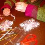 Creando de manera artesanal pulseras y collares