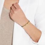 Monica Vinader: Pulsera con esmeraldas, diamantes y chapada en oro