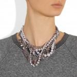 Tom Binns: Collar con cristales swarovski 'Regal Rocker'