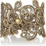 Alexander McQueen pulsera dorada con cristales swarovski 2013 1