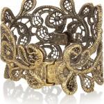 Alexander McQueen pulsera dorada con cristales swarovski 2013 3