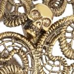 Alexander McQueen pulsera dorada con cristales swarovski 2013 4